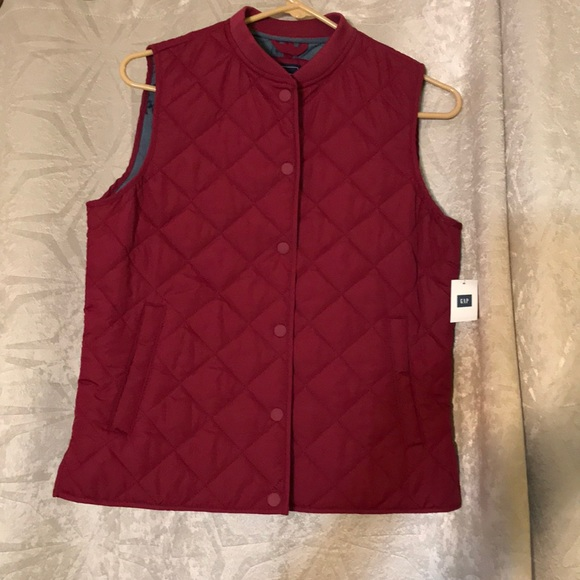 75 Off Gap Jackets Blazers Gap Maroon Quilted Vest Brand New