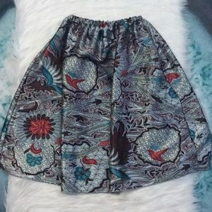 ✨Holiday Printed Silky Knee Length Skirt Size 4