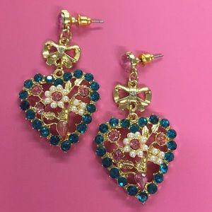 New Betsey Johnson rhinestone heart earrings