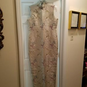 Dresses & Skirts - Gorgeous authentic silver & floral Mandarin gown