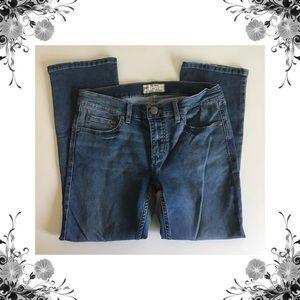🆕{Free People} Stretch Capri Jeans