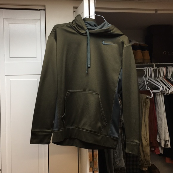 Olive Green Nike Therma Fit Hoodie. M 5a14ae8d2ba50aec1900cb54 62cab0493