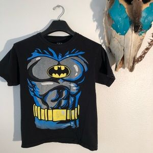 Other - ♥️MAKE OFFER♥️Sz XL Boys Batman Shirt🌴