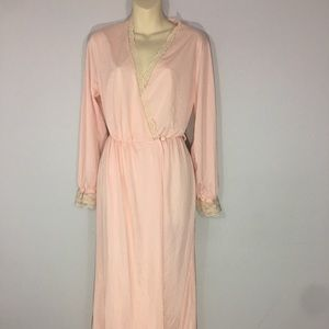 1970s dressing robe/nightgown