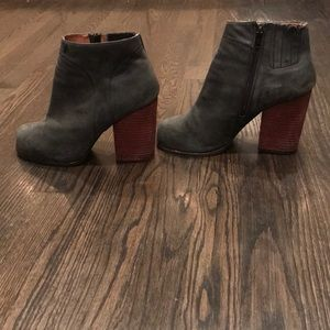 JEFFREY CAMPBELL HANGER SUEDE/LEATHER BOOTIE