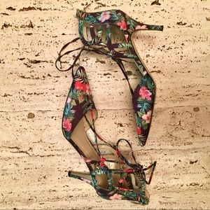 Marc Fisher Heels Tropical Hibiscus Palm Print