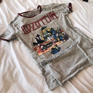 Led Zeppelin T