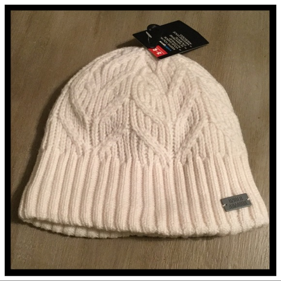 2999a8944bc NWT Under Armour Women s Winter Beanie