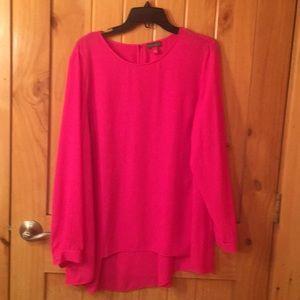 NWOT Vince camuto top