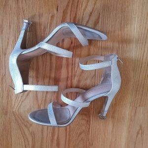 Kelly& Katie 'KK CLEO' Bridal Shoes Sz 9