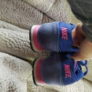 Size 7.5 nikes
