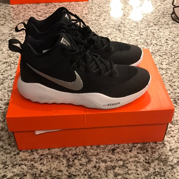 7fd52ceb4cbf Men s Nike zoom rev tb basketball shoes
