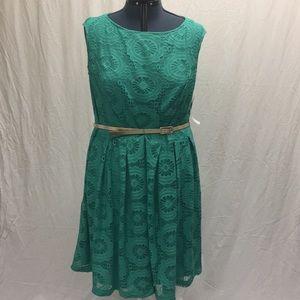 Green London Times Woman Sleeveless dress 18W