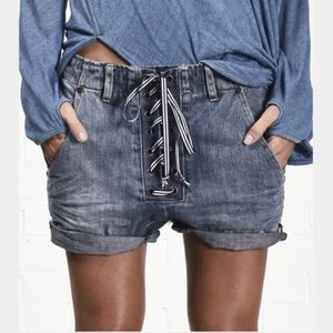 NWT One Teaspoon Super Freaks Denim Shorts size 23
