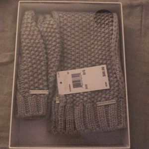 Knitted Michael Kors scarf and hat