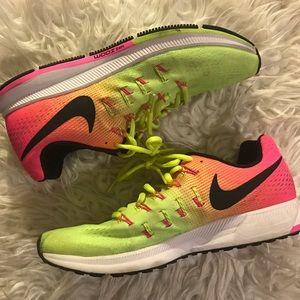 Multicolored Nike zoom sneakers