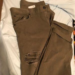 GAP size 31 girlfriend jeans in olive green