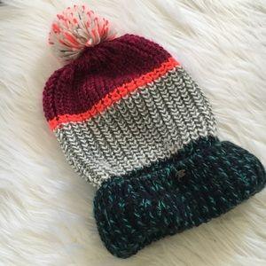 American Eagle Pom beanie hat