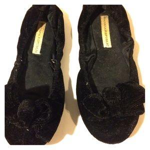 Banana republic velvet slippers size 5 runs small
