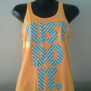 Nike workout top Dri-fit....excellent condition