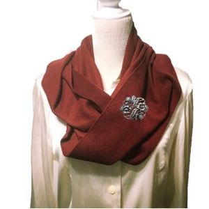 Old Navy infinity scarf. One size. NWT.