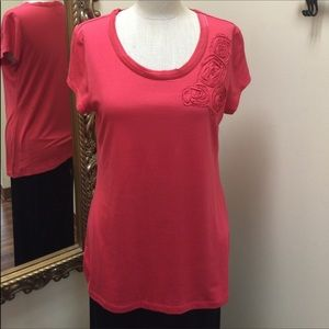 BANANA REPUBLIC short sleeved tee rosettes size L