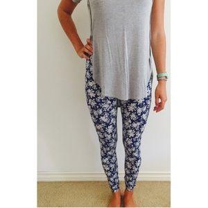 Flower blue leggings