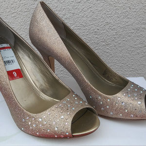 NWT Style & Co. Gold Formal Peep Toe Heels
