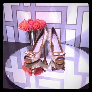 ✨Gorgeous Delman heels-like new✨