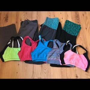 🏋🏽♀️SPORTS BUNDLE: Yogas and sports bras!💪🏼
