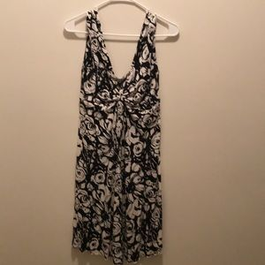 Small black and white Express dress floral pattern
