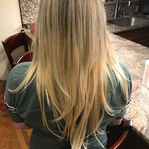 """Beach blonde remy hair 20"""" clip ins"""