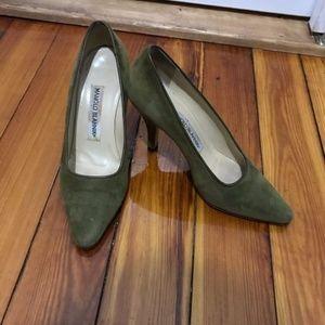 Manolo Blahnik vintage green suede pumps 5