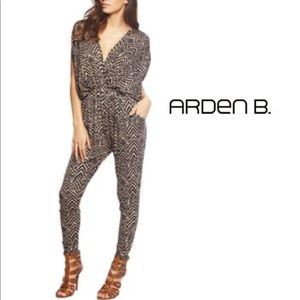 (Arden B.) Brown Animal Print Jumpsuit Size Small