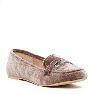 Steve Madden velvet penny loafer shellly