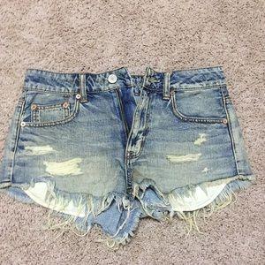 AE cut off shorts sz 6