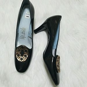Vintage Life Stride black NWOT loafer heels