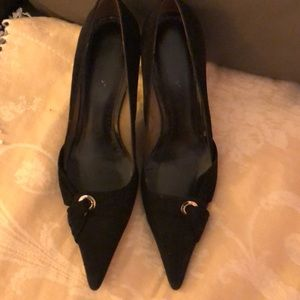 BCBG black suede pointy toes pumps