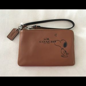 Coach x Peanuts/Snoopy Wristlet