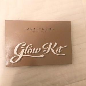 [Anastasia Beverly Hills] Ultimate Glow Kit