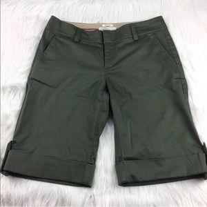 Old navy olive green Bermuda shorts sz 6