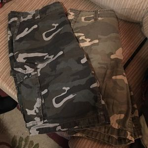 2 pair camo cargo shorts sz 38
