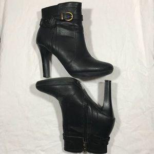 BANANA REPUBLIC Heeled Booties Size 6