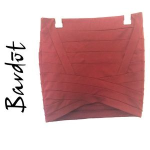 Mid Rise Slimming Burgundy Stretch Skirt