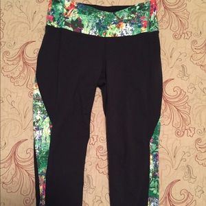 Cropped athleta Pants Size Small