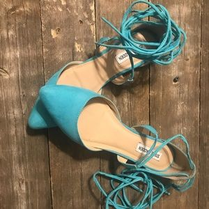 Steve Madden pointed toe lace up flats
