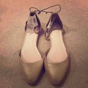Gap gold sparkly flats ✨