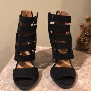 black, strapped peep toe heels!