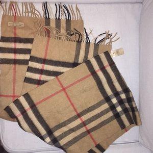 Burberry 100% cashmere scarf