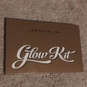 Anastasia Beverley Hills Glow Kit (sun)